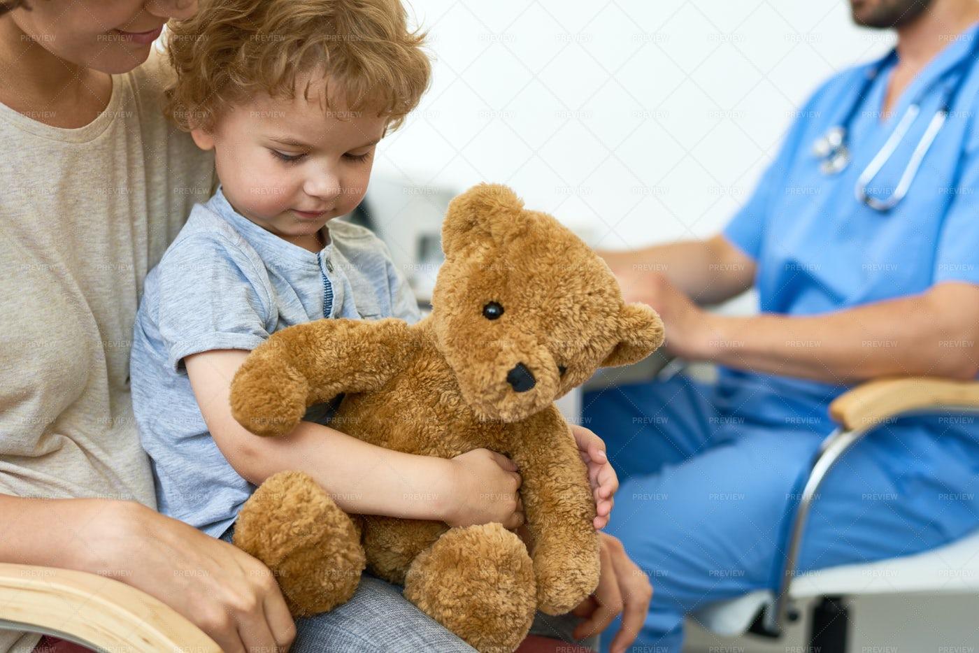 Little Boy Visiting Doctor: Stock Photos
