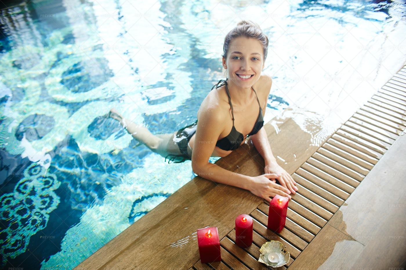 Young Woman Swimming In Pool: Stock Photos