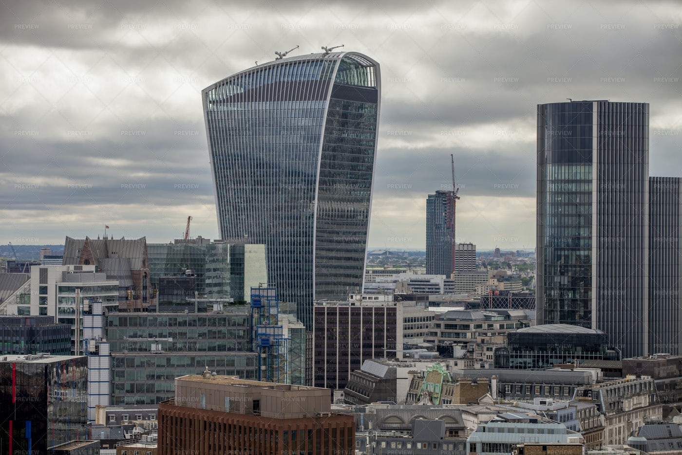A Cloudy Day In London: Stock Photos