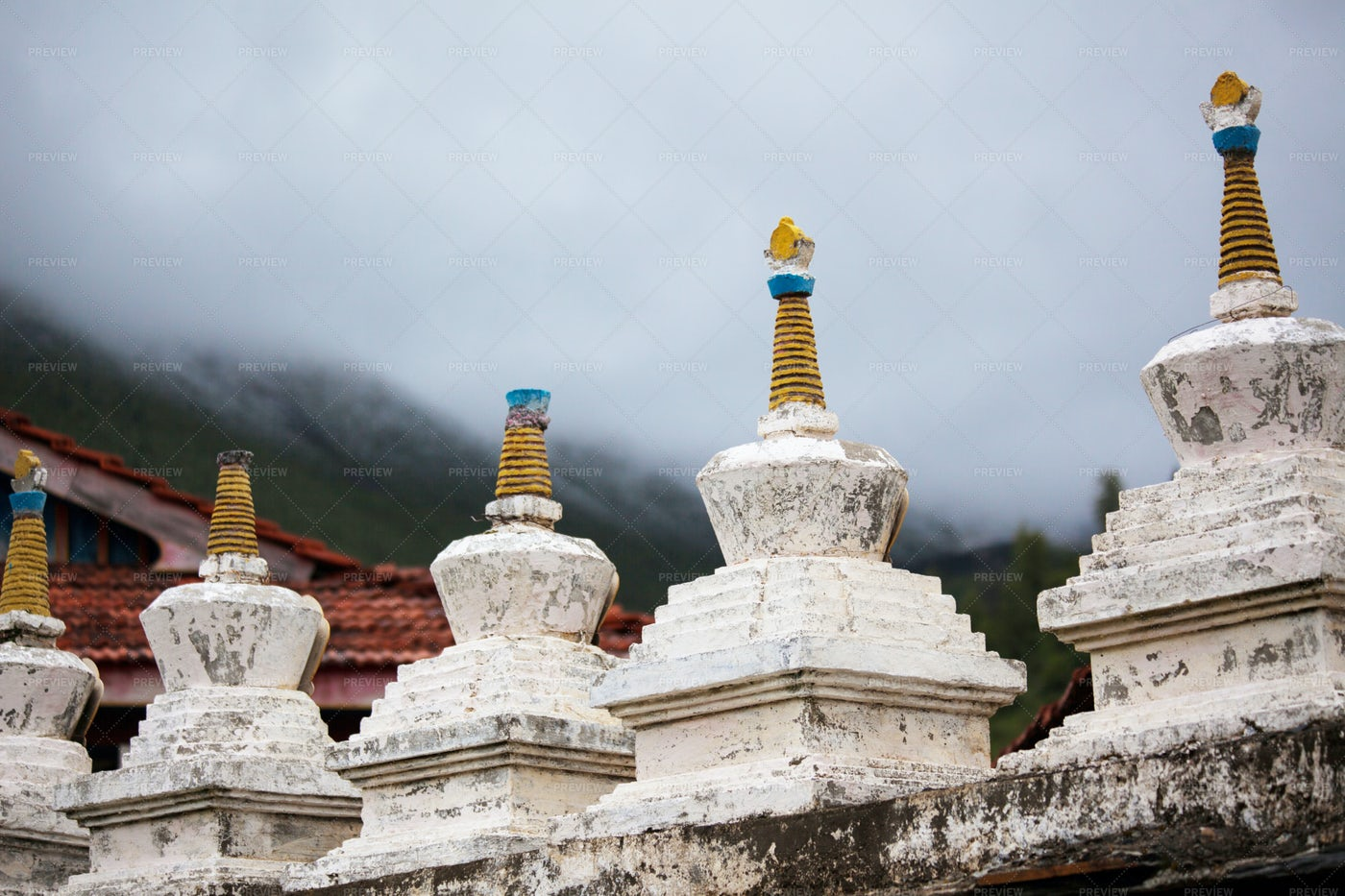 Buddhist Statues: Stock Photos