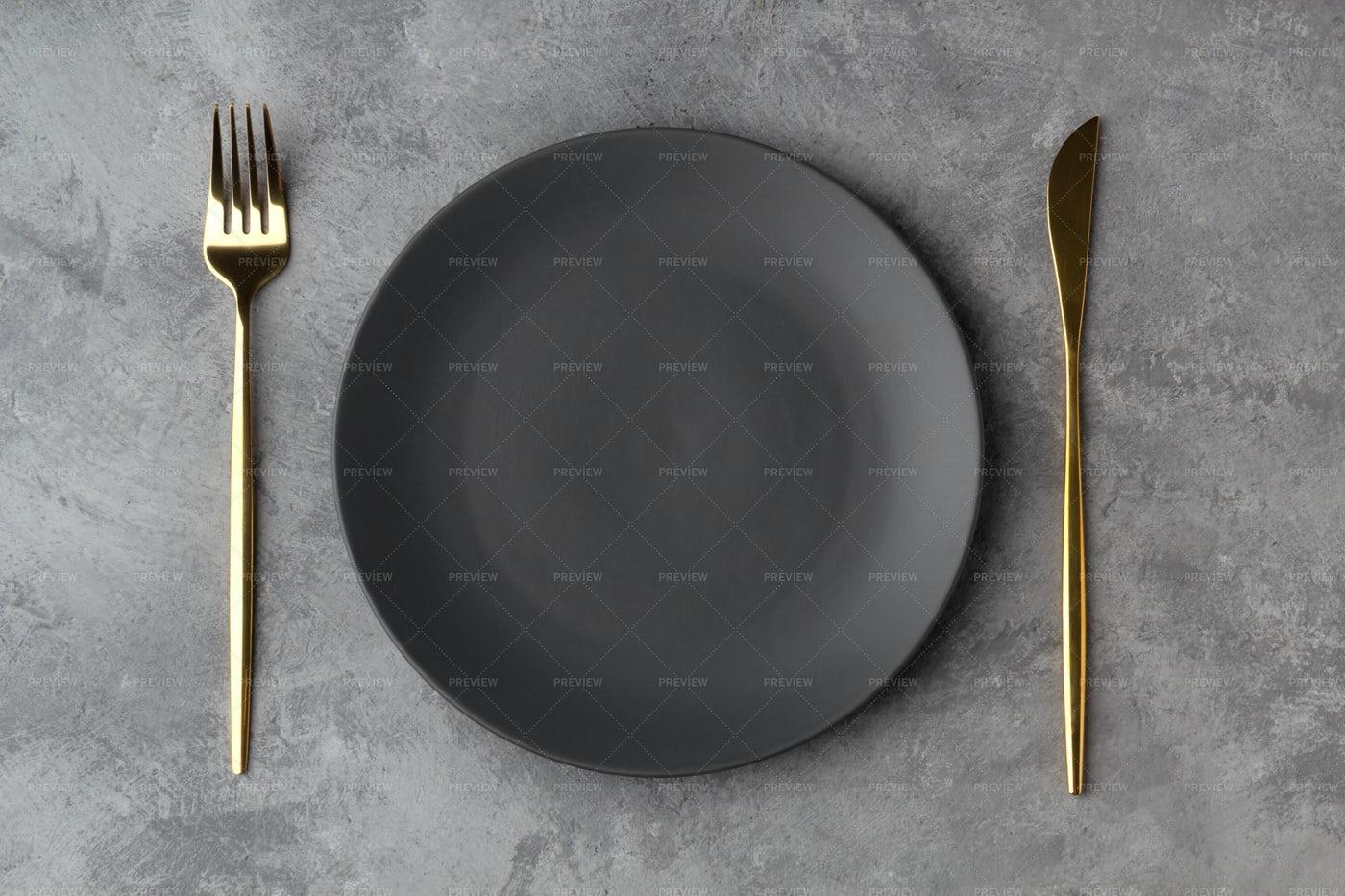 Empty Gray Plate: Stock Photos