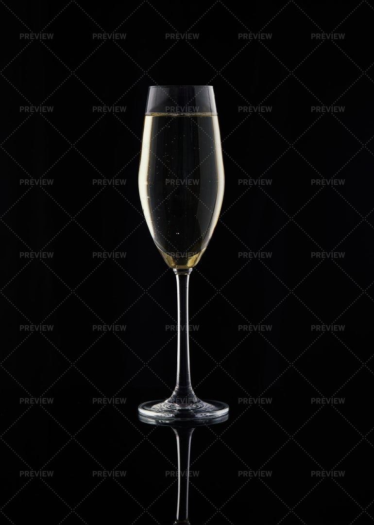 Champagne Against Black: Stock Photos