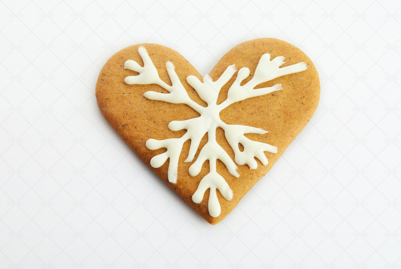 Heart-Shaped Gingerbread Cookie: Stock Photos