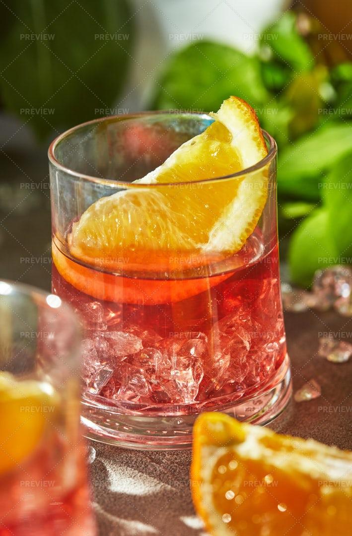 Negroni Cocktails: Stock Photos