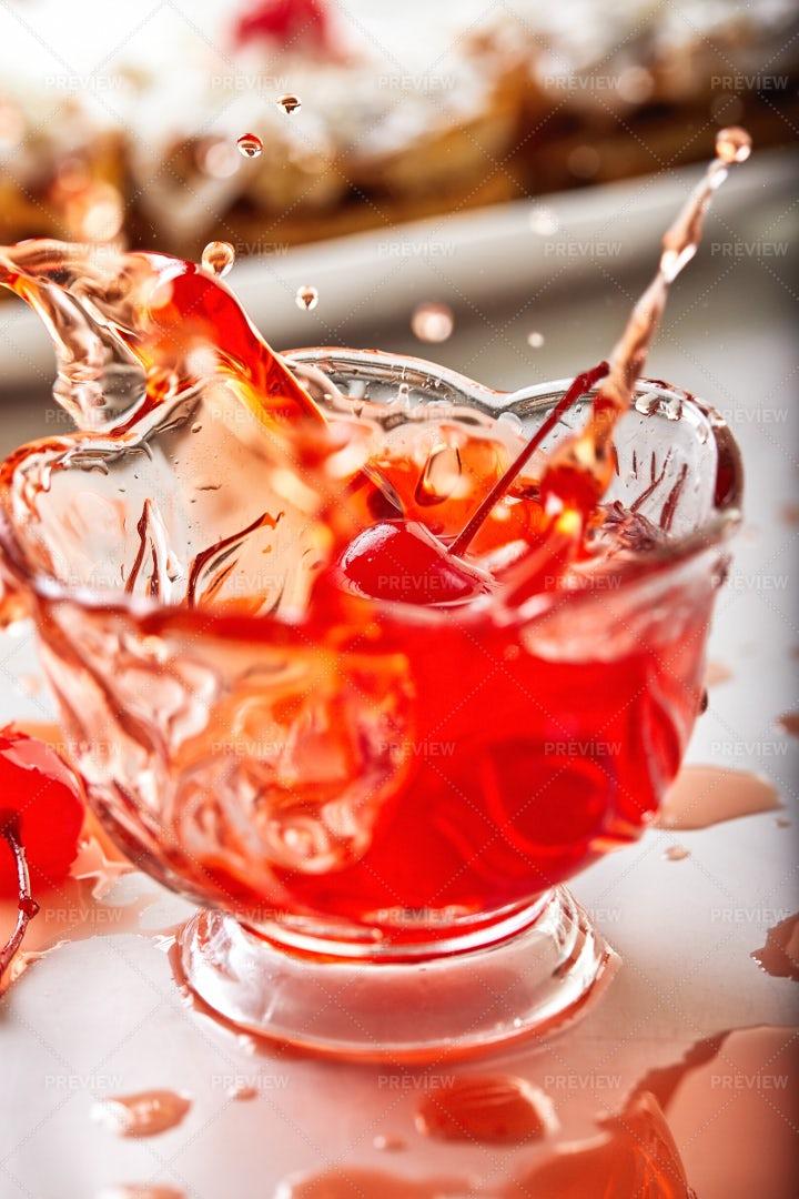 Cherry Splash: Stock Photos
