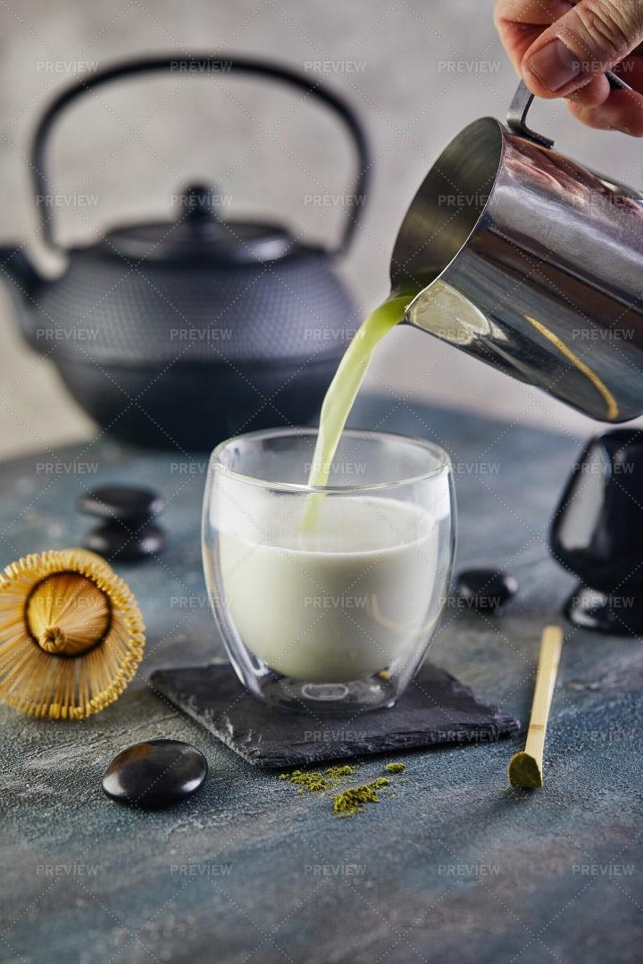 Pouring Matcha Green Tea: Stock Photos