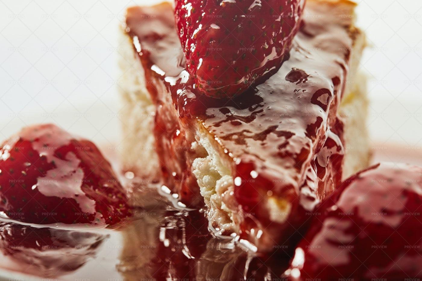 Cheesecake With Strawberry Jam: Stock Photos