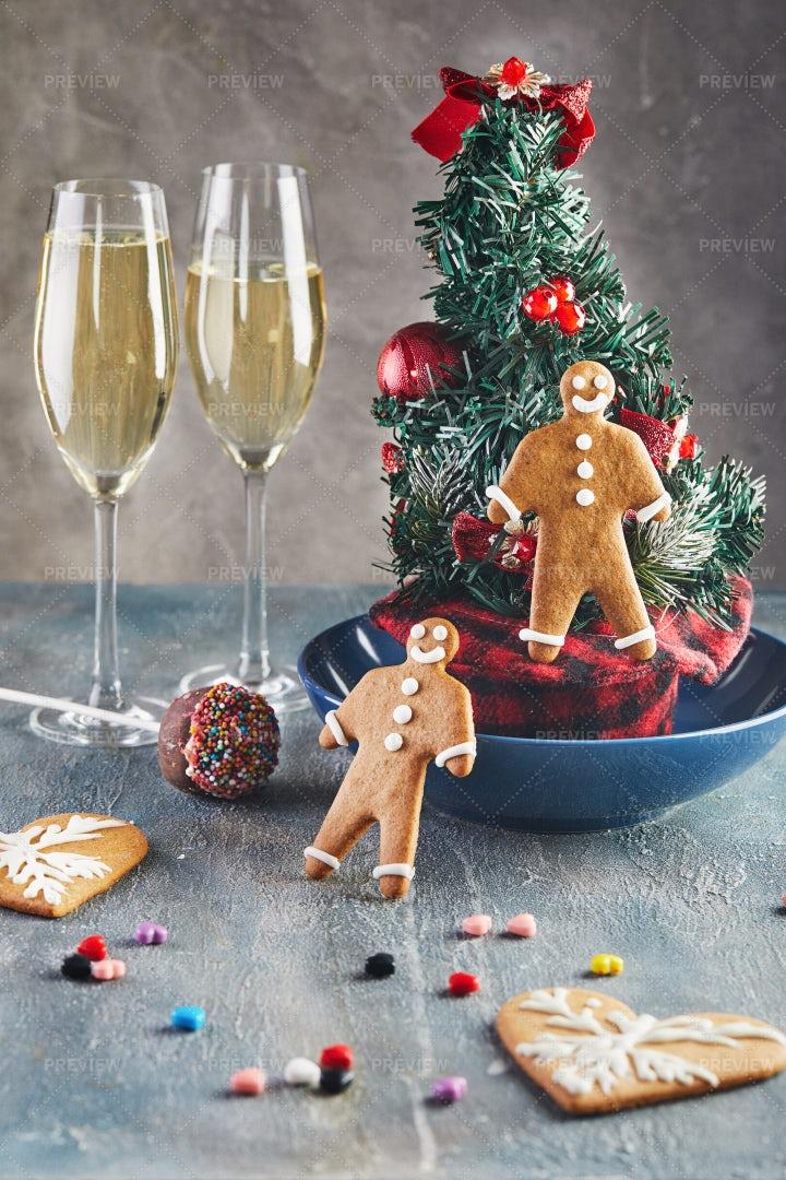 Christmas Champagne: Stock Photos