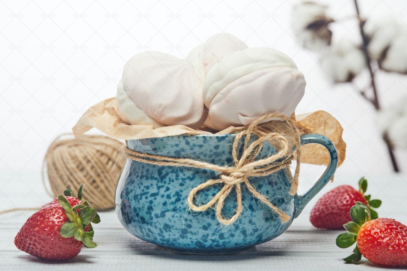 Marshmallows In Cup: Stock Photos