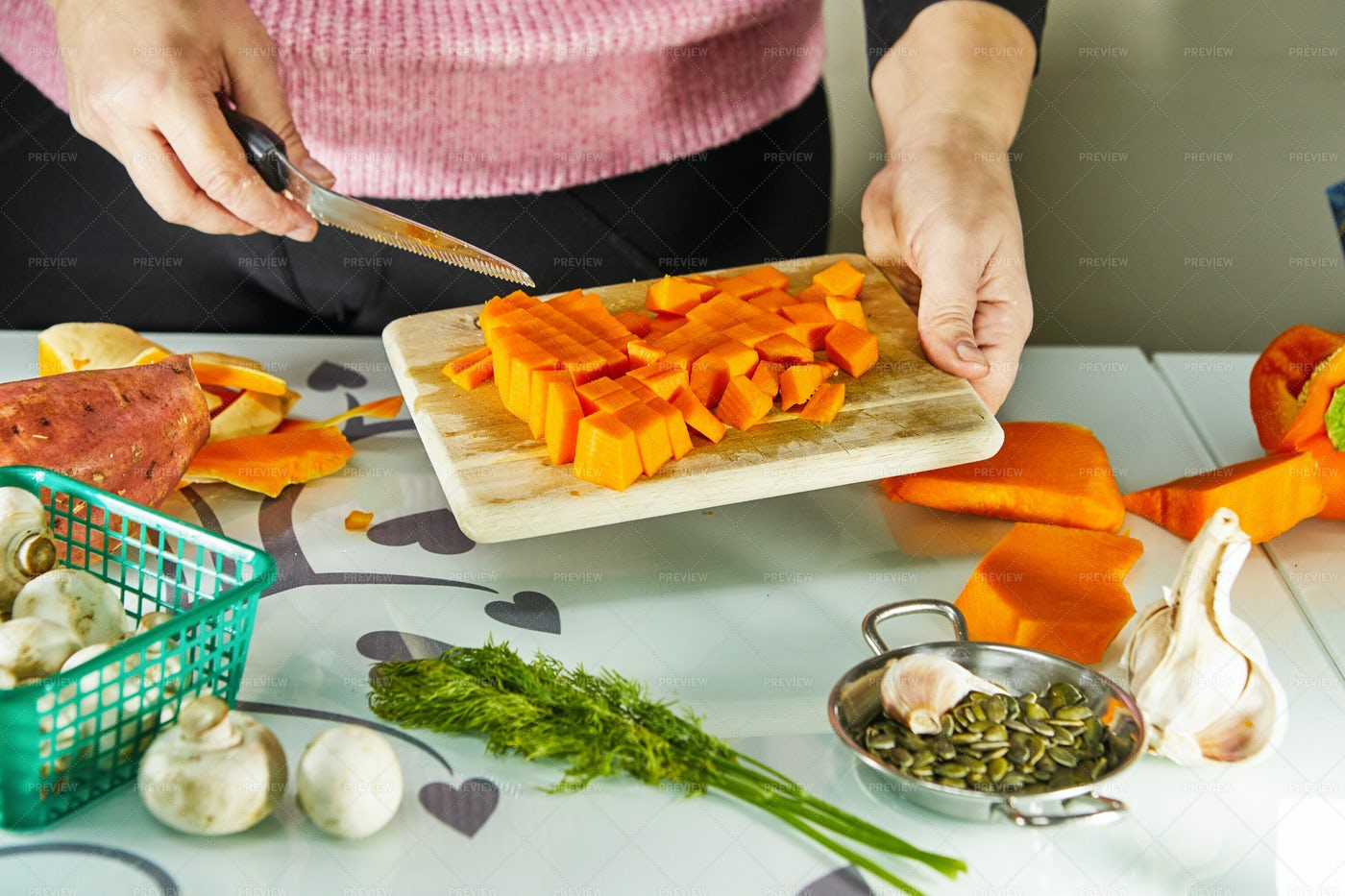 Chopping Pumpkin: Stock Photos