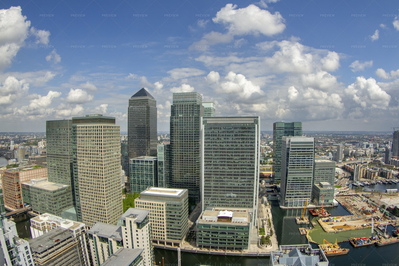 London Docklands In Summer: Stock Photos