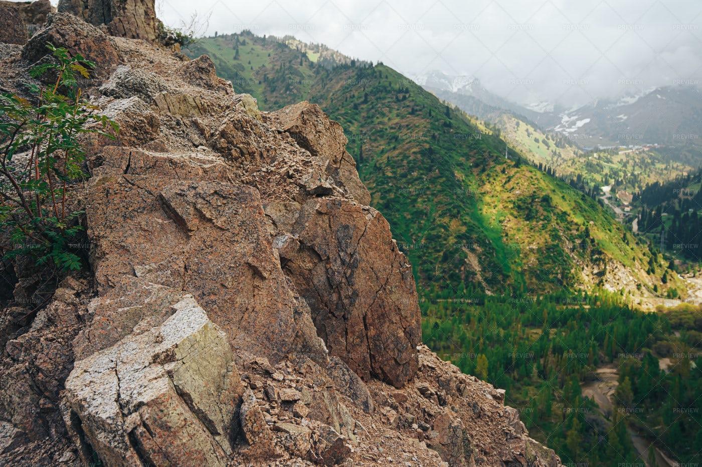 Cliffs On The Mountain: Stock Photos