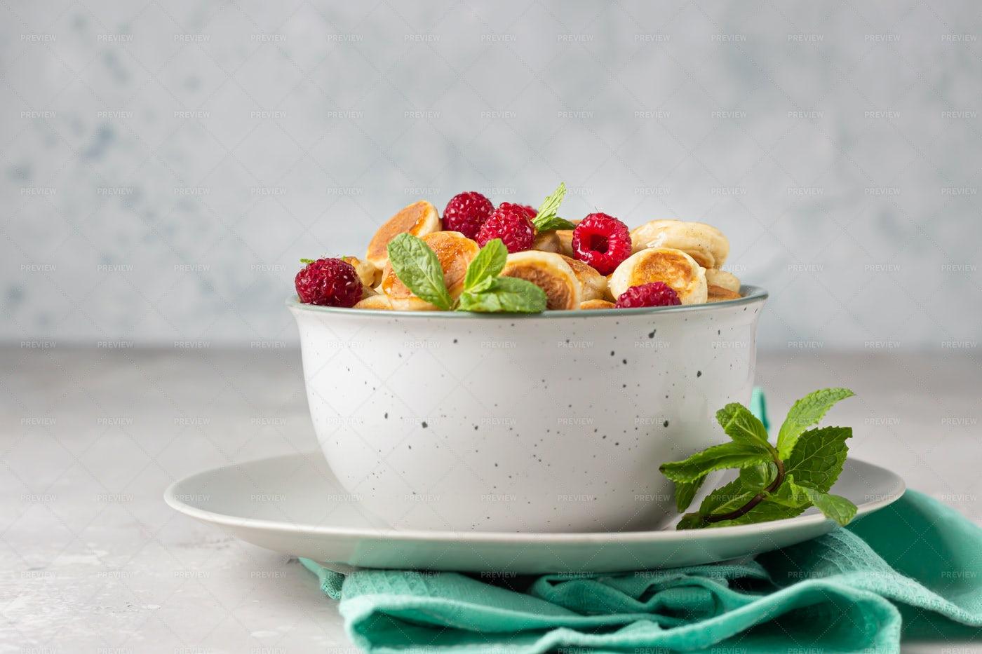 Mini Pancake Cereal: Stock Photos