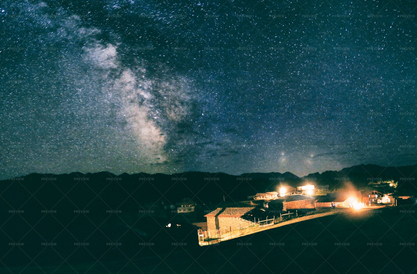 Milkyway In High Mountain: Stock Photos
