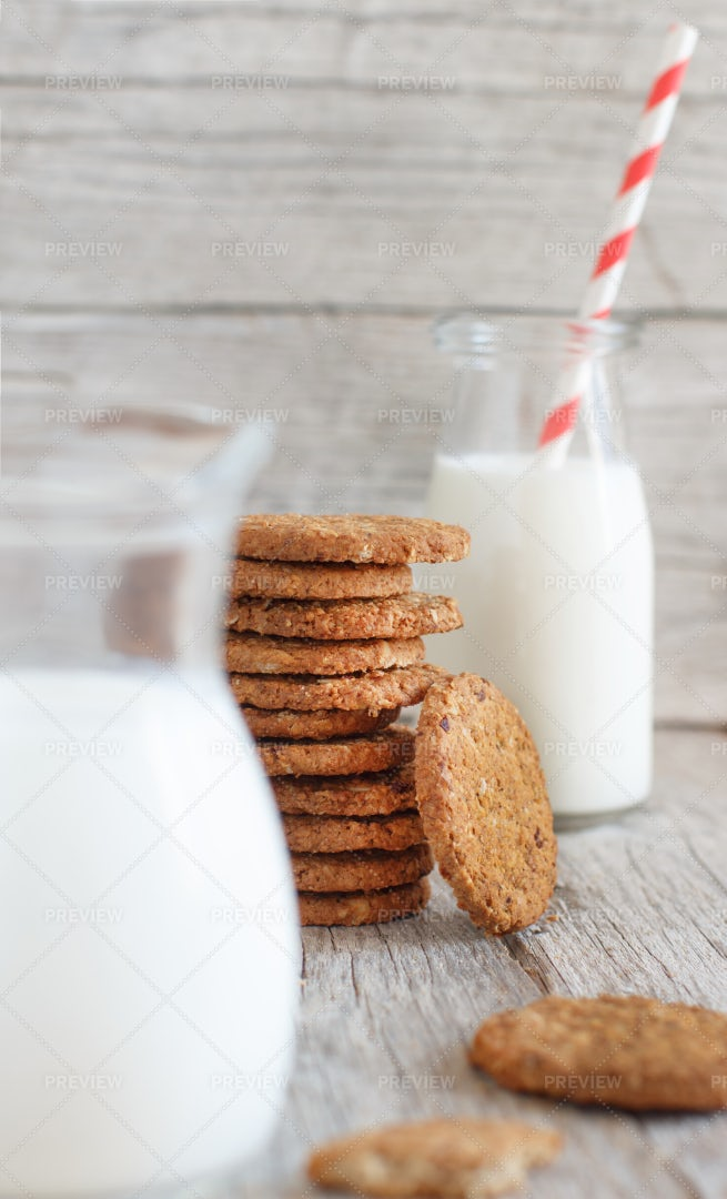 Homemade Oatmeal Cookies: Stock Photos