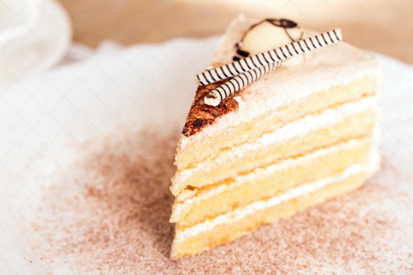 White Chocolate Cake: Stock Photos