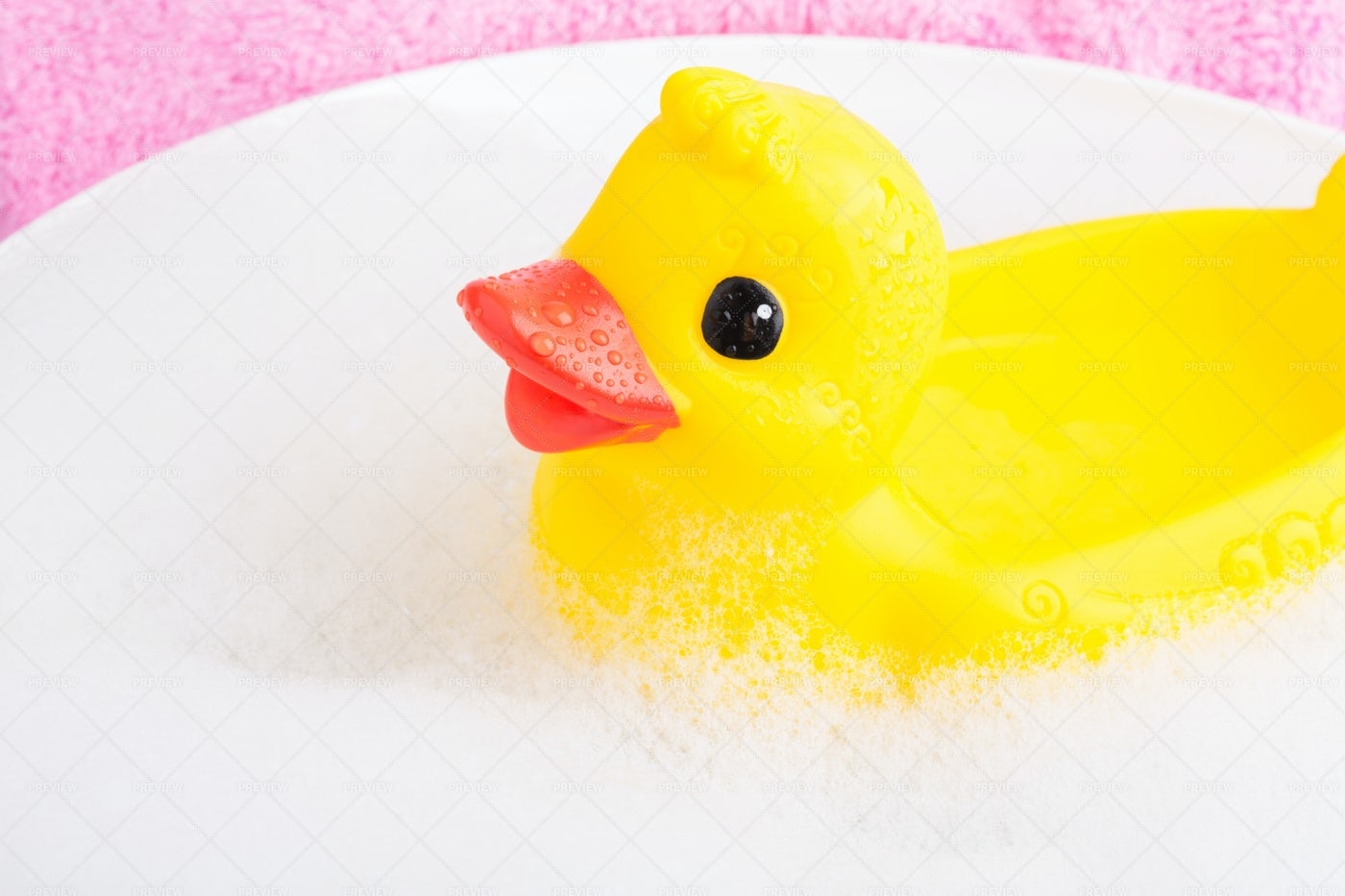 Rubber Duck In The Bath: Stock Photos