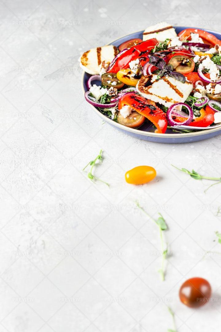 Salad With Halloumi Cheese: Stock Photos