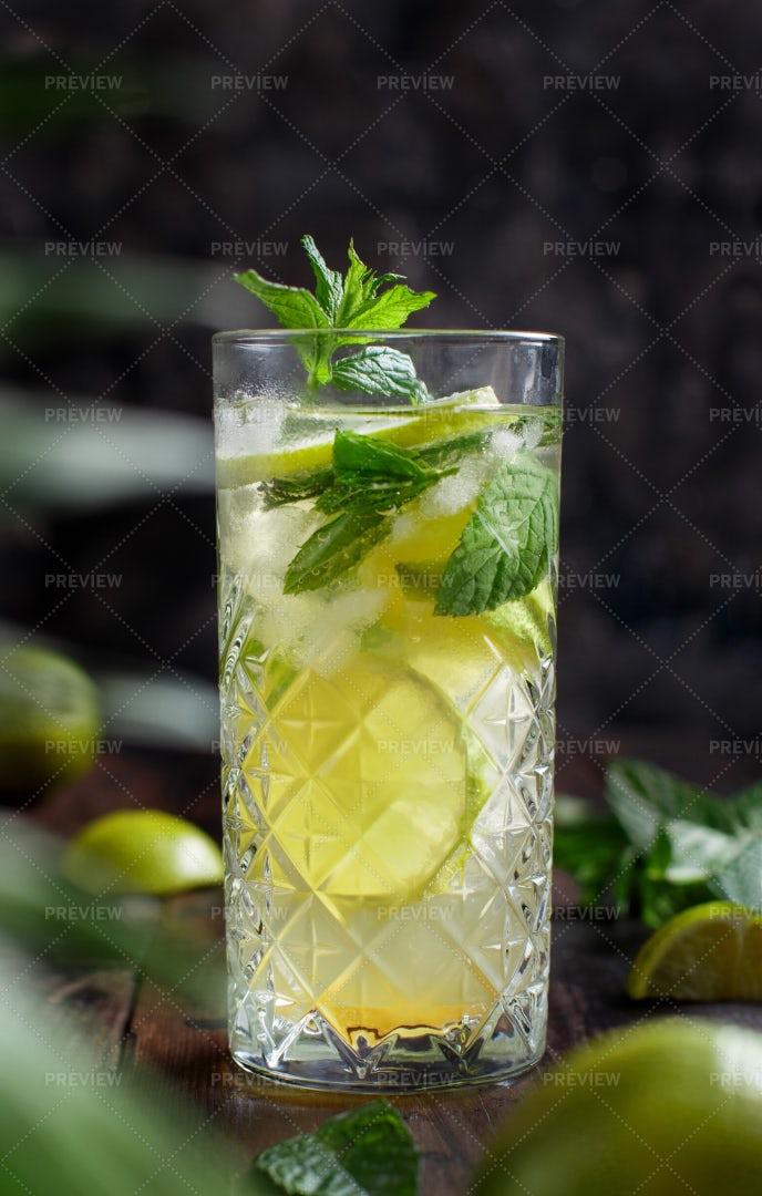 Homemade Mojito Cocktail: Stock Photos