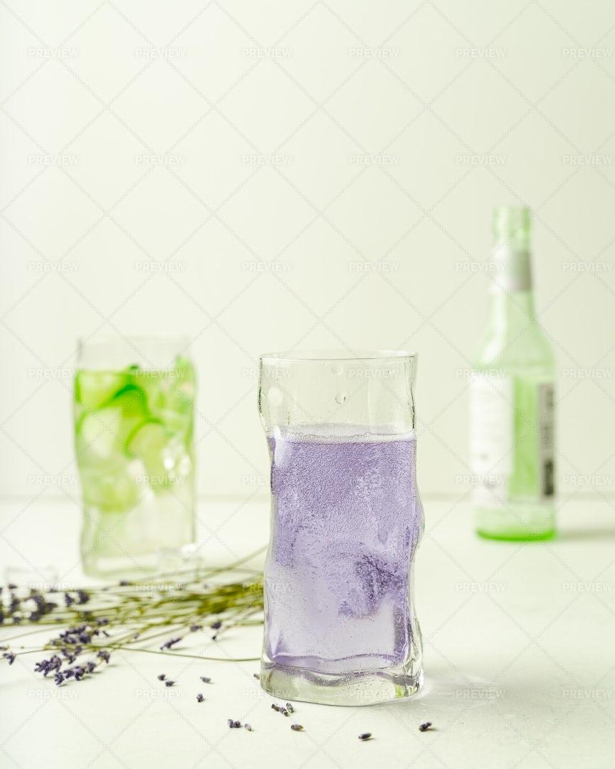 Refreshing Summer Drinks: Stock Photos