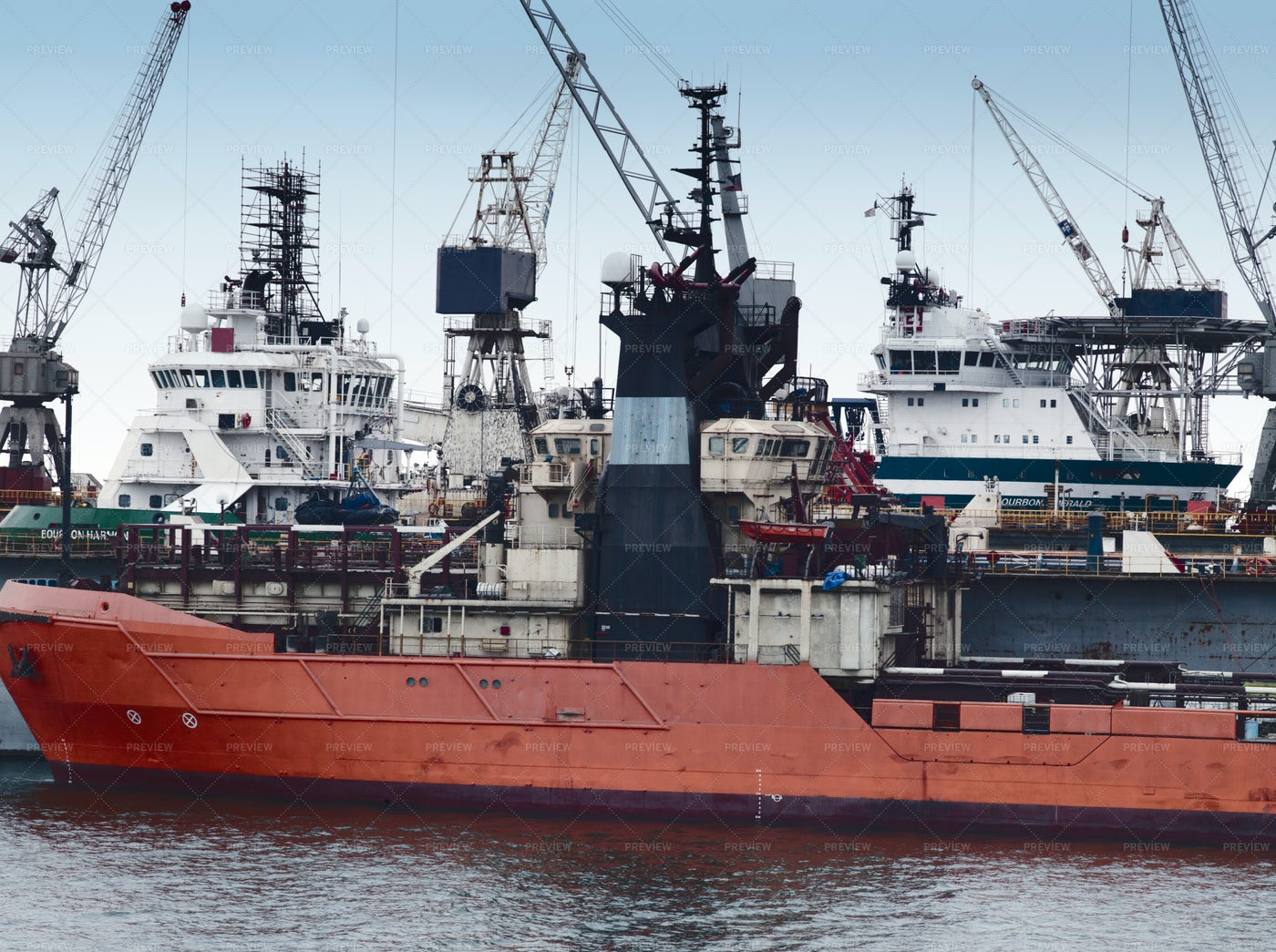 Oil Production Vessels: Stock Photos