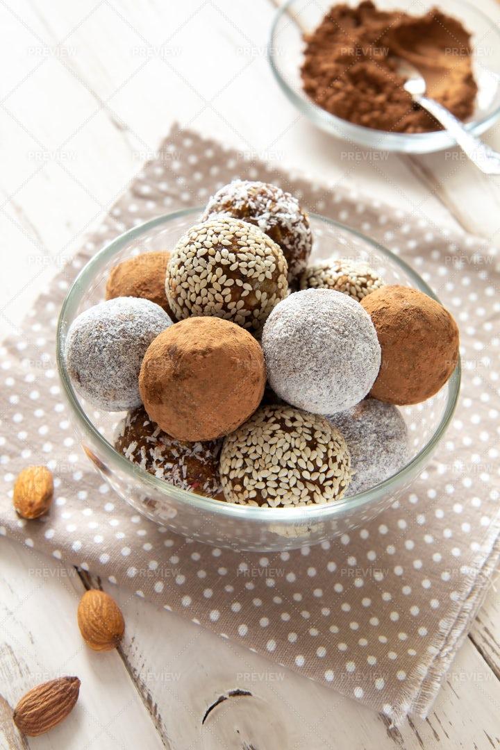 Energy Balls With Cocoa: Stock Photos