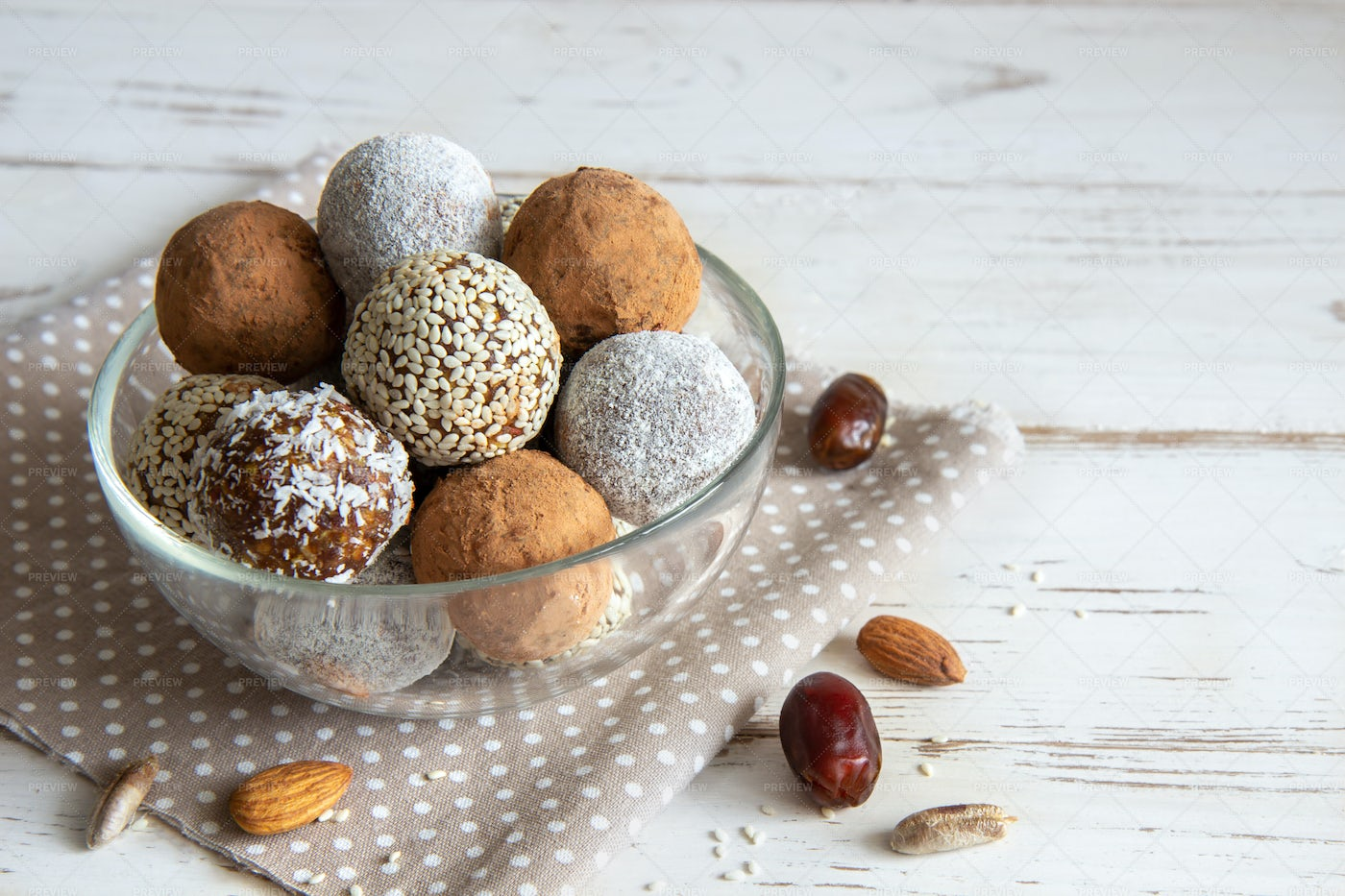 Snack Balls With Nuts: Stock Photos