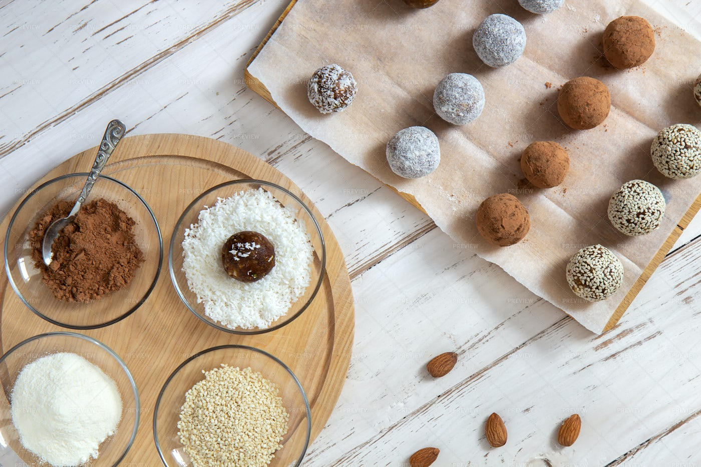 Vegetarian Snack Balls: Stock Photos