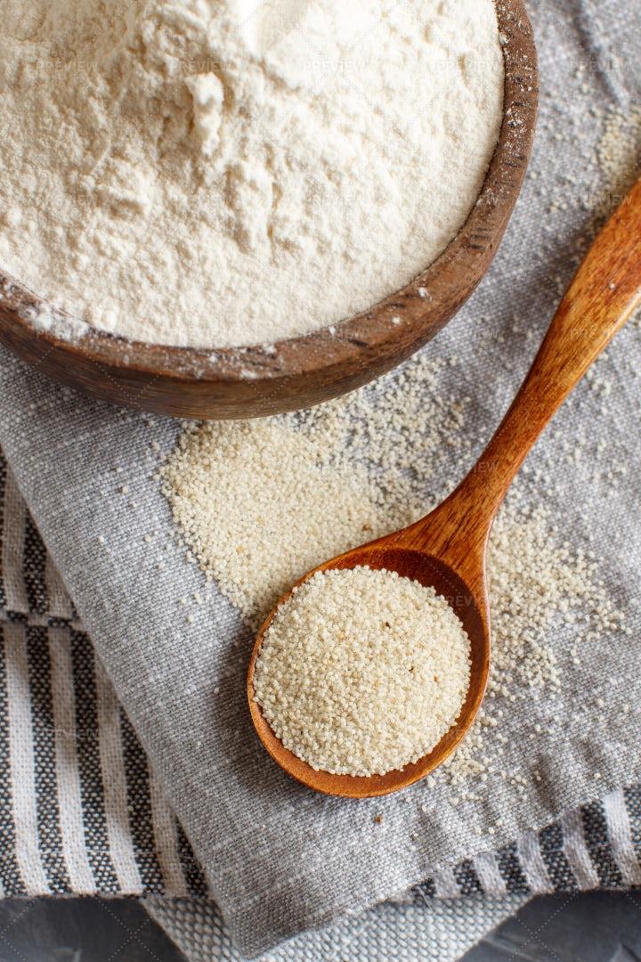 Raw Alternative Fonio Flour: Stock Photos