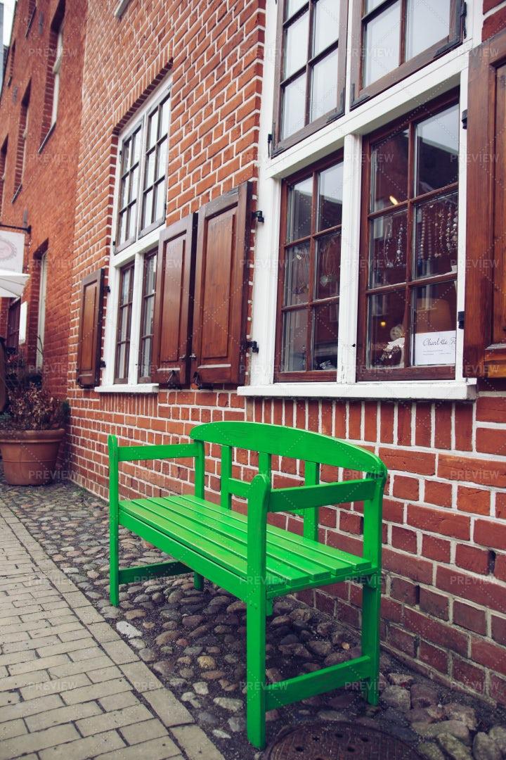 Green Street Bench: Stock Photos