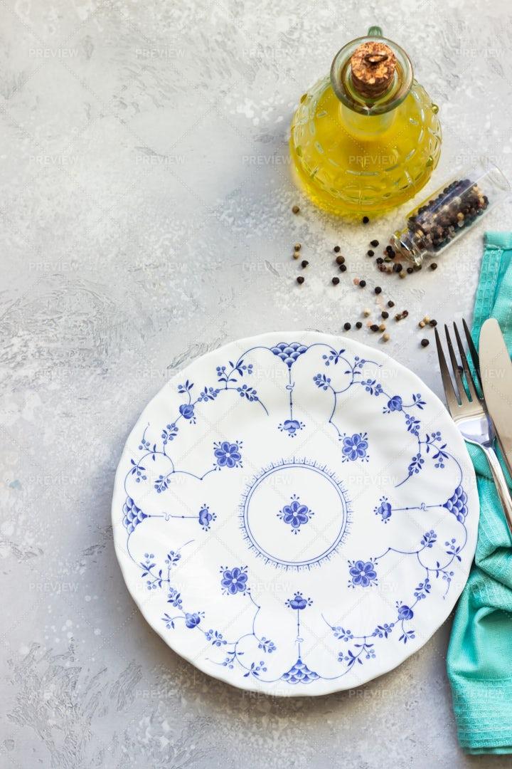 Ceramic Plate And Silwerware: Stock Photos