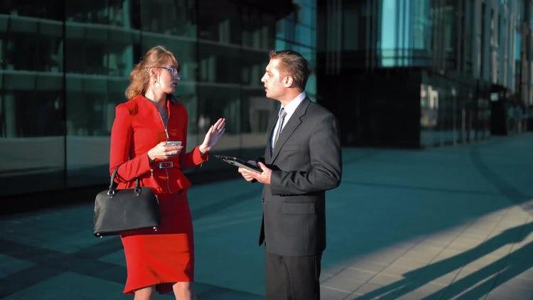 Businesswoman Tells Off A Businessman: Stock Video