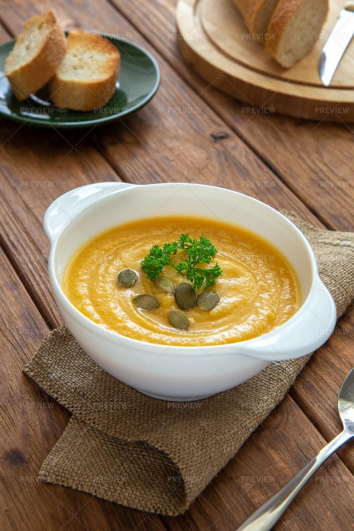 Cream Of Pumpkin Soup: Stock Photos