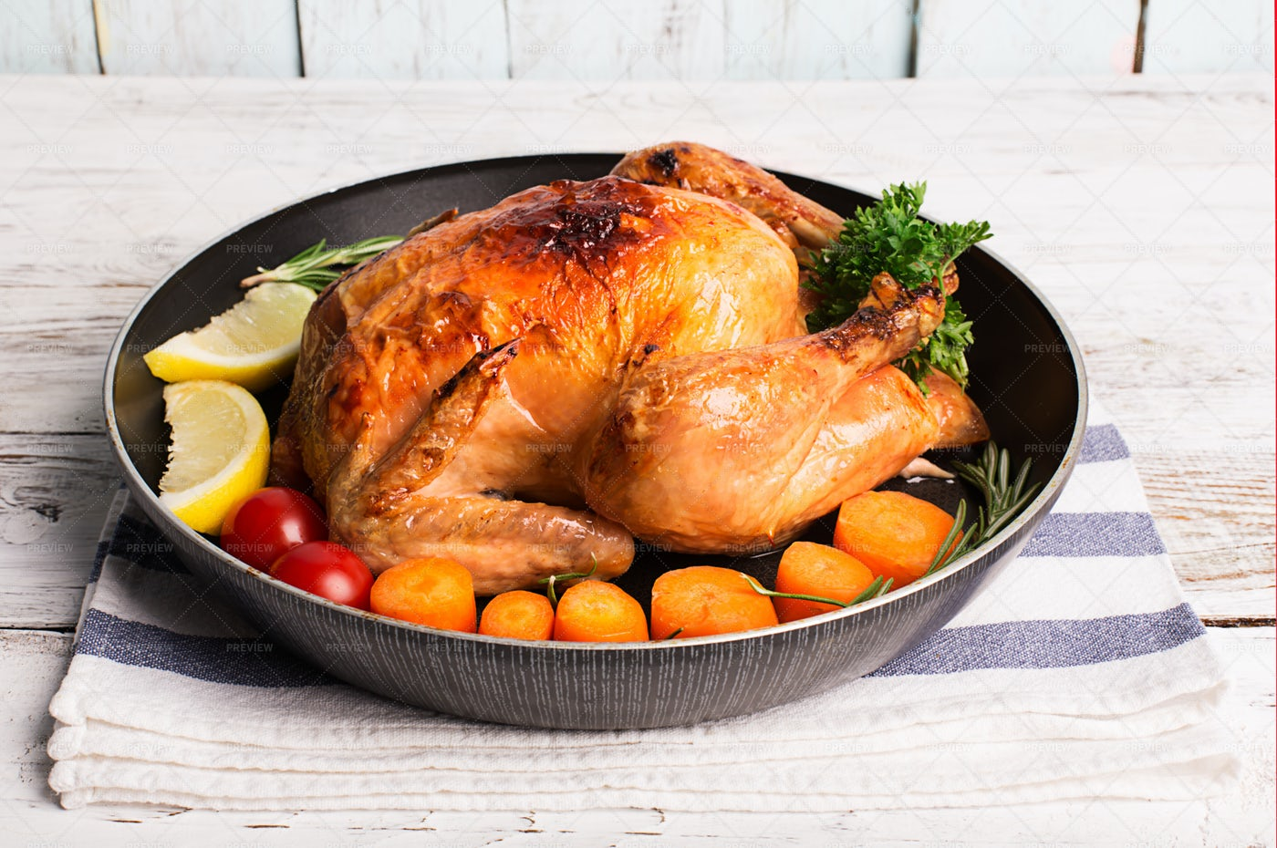 Roasted Chicken And Vegetables: Stock Photos