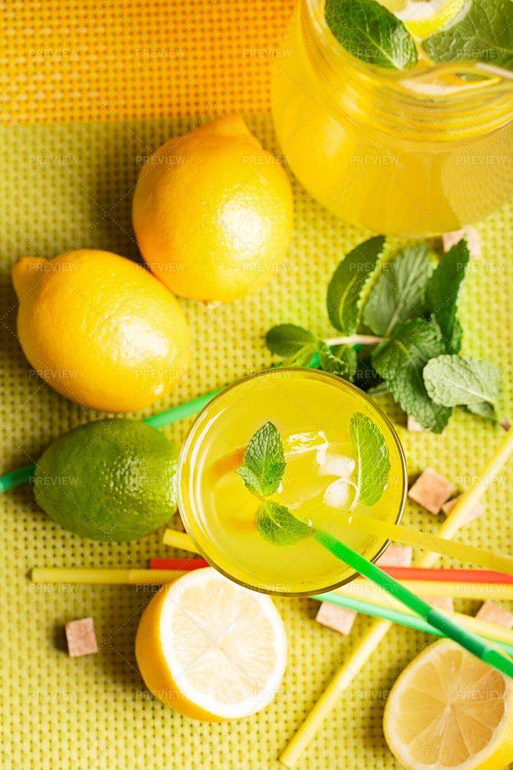 Lemons And Lemonade: Stock Photos