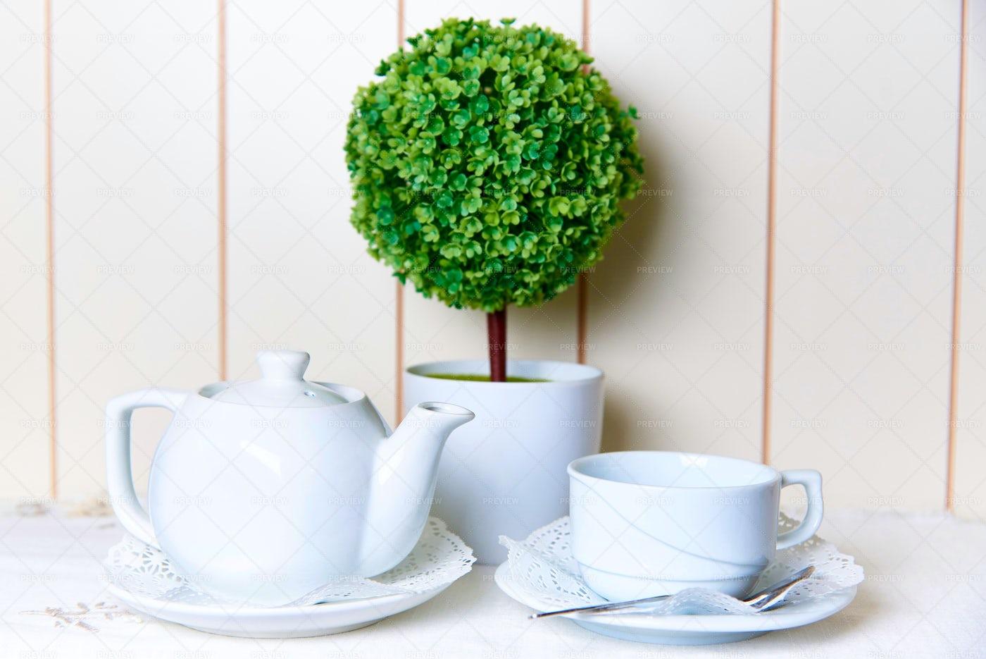 Teapot And Cup: Stock Photos