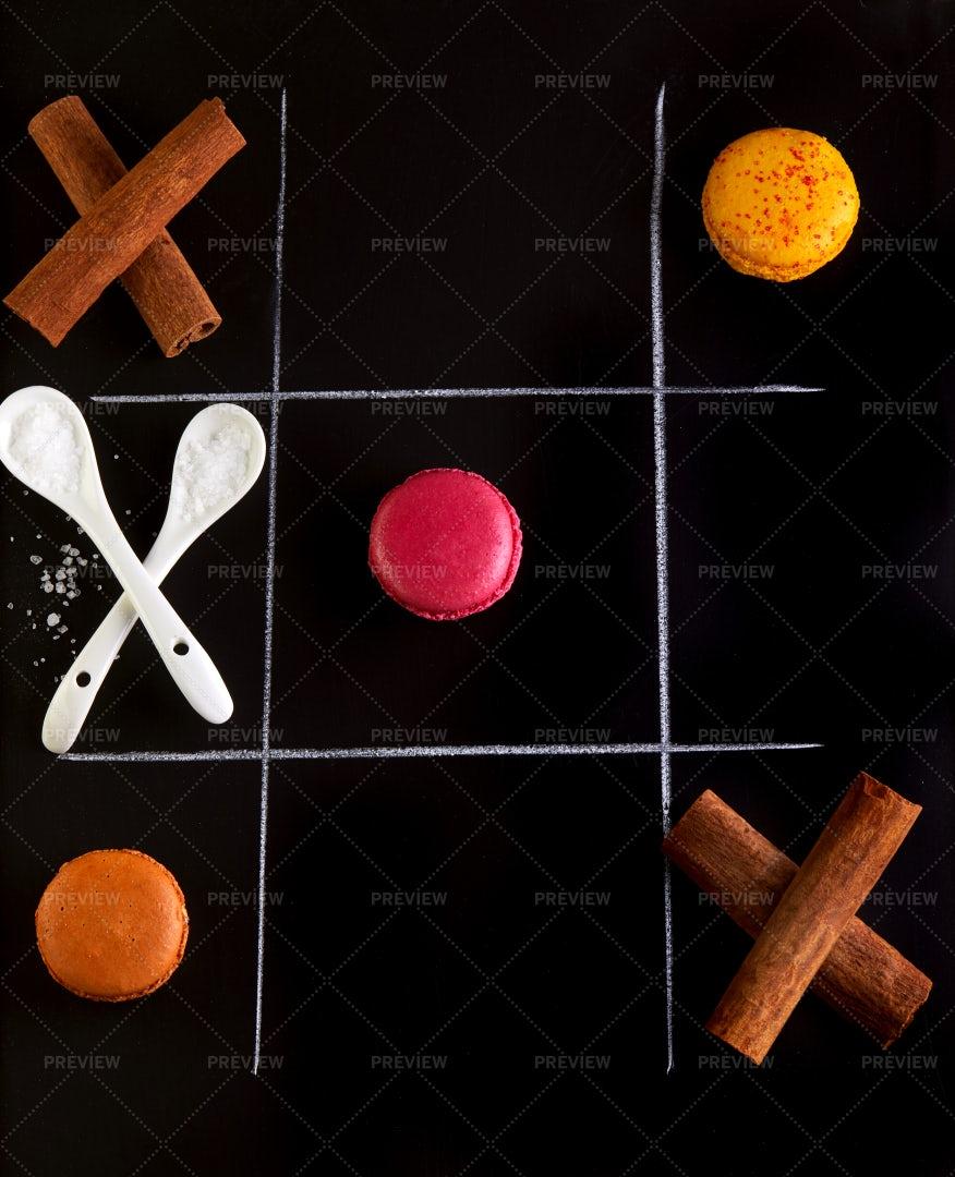 Kitchen Tic-Tac-Toe: Stock Photos