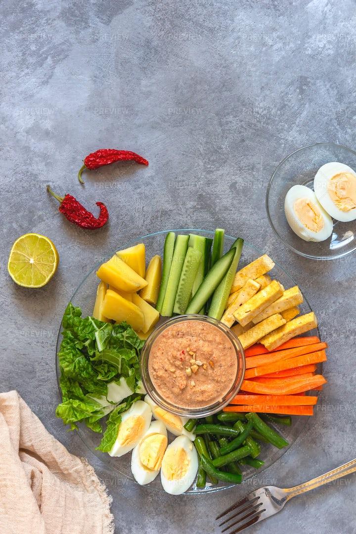 Indonesian Healthy Salad: Stock Photos