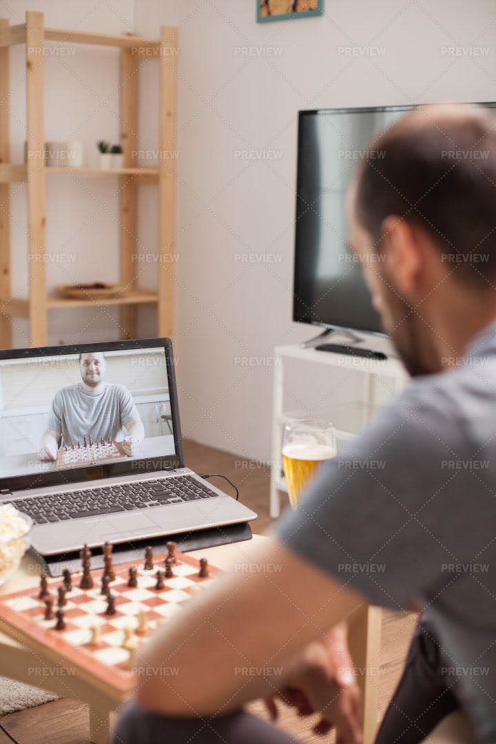 Explain The Rules Of Chess: Stock Photos