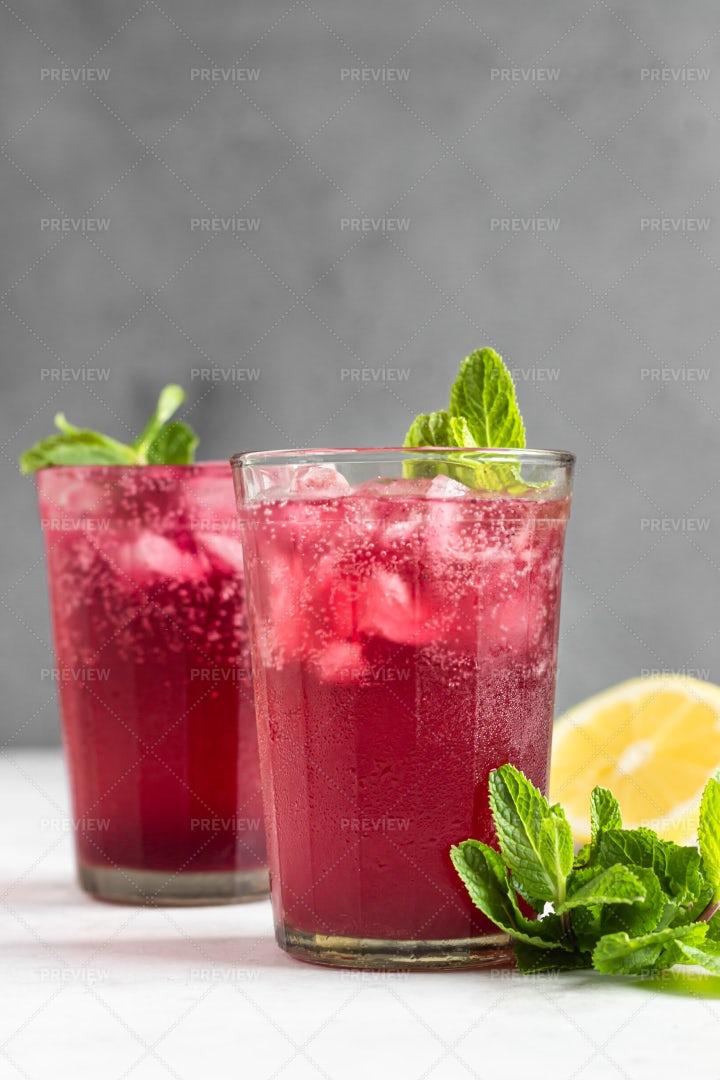 Pink Sparkling Lemonade: Stock Photos
