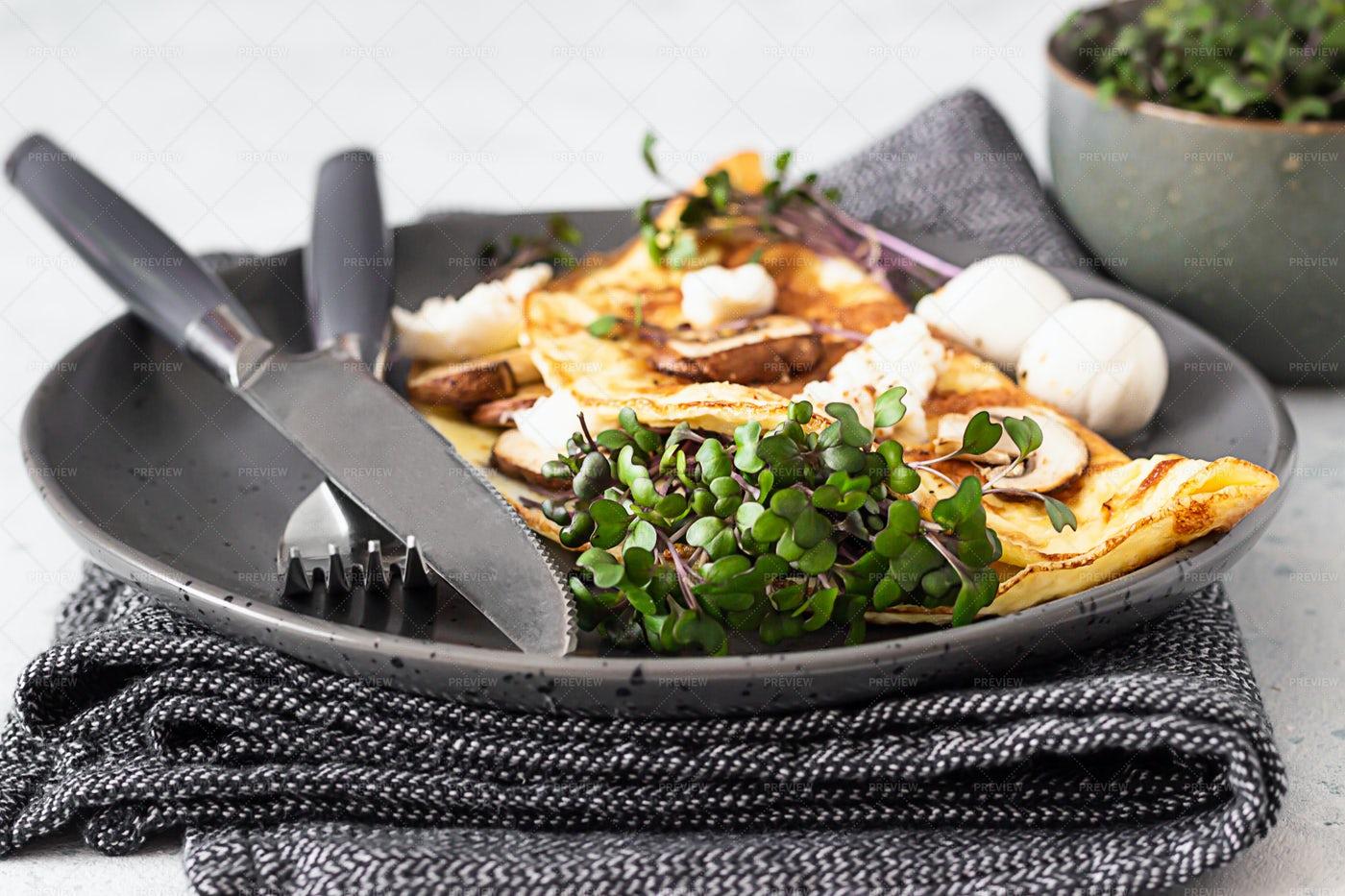 Egg Omelette: Stock Photos