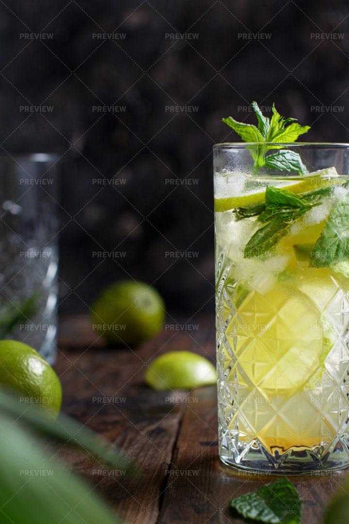 Mojito Cocktail: Stock Photos