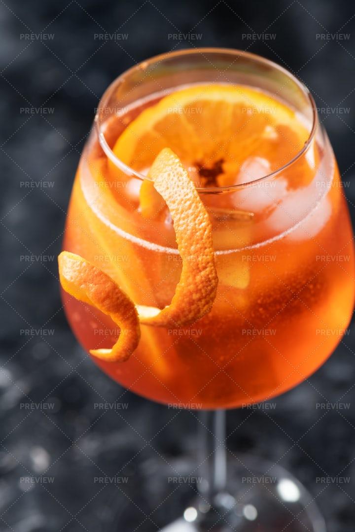Italian Aperol Spritz Cocktail: Stock Photos
