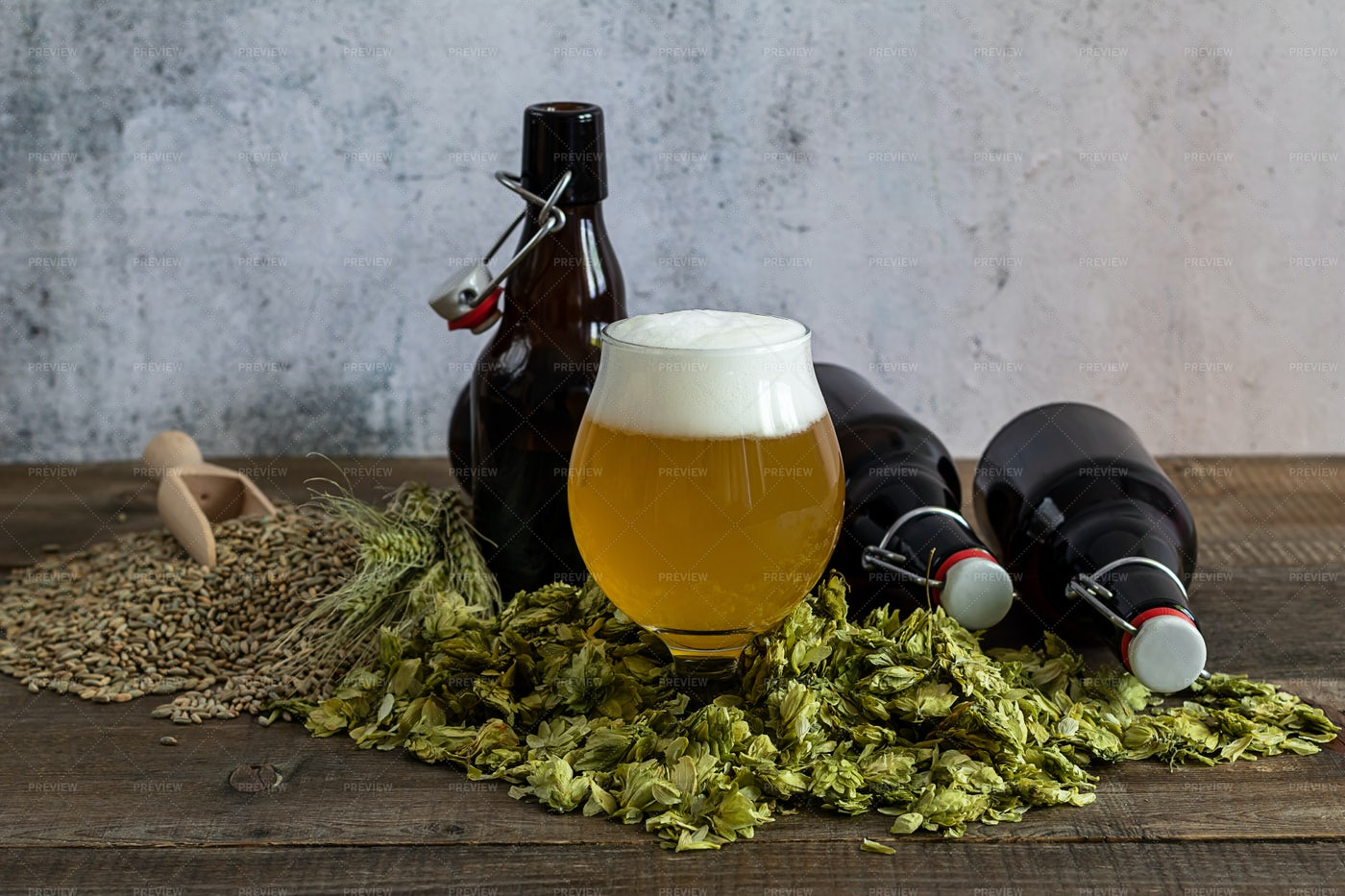 Craft Pale Ale: Stock Photos