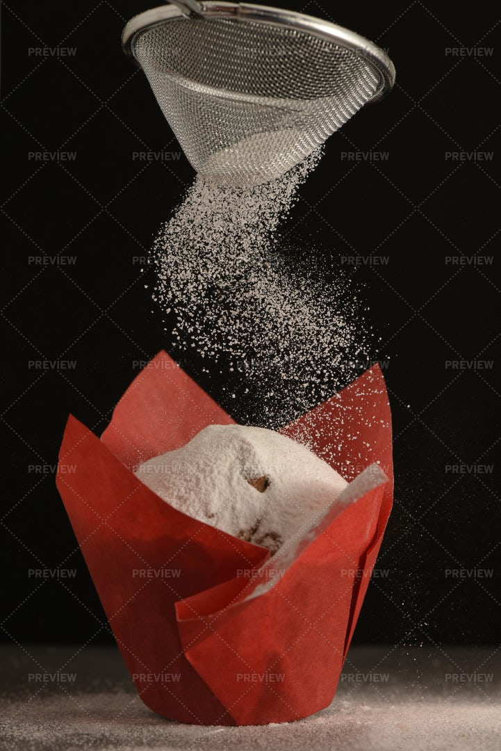 Powdered Sugar On A Muffin: Stock Photos