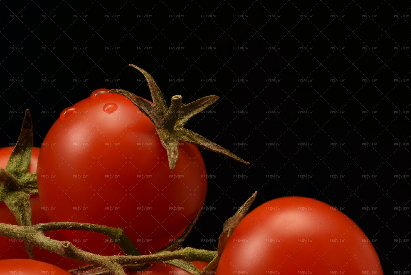 Washed Cherry Tomatoes: Stock Photos
