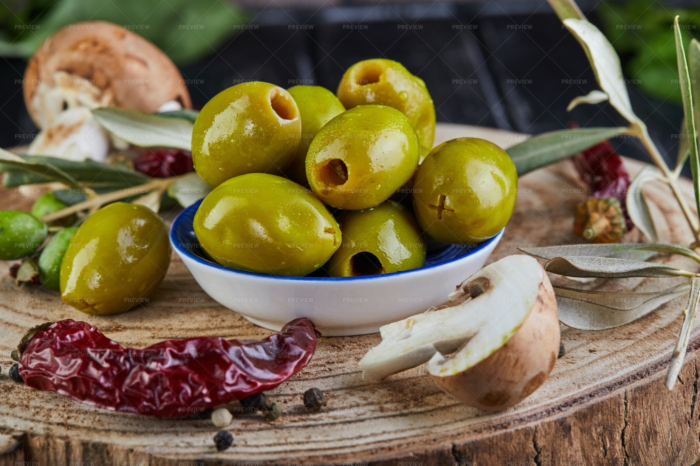 Small Of Olives: Stock Photos