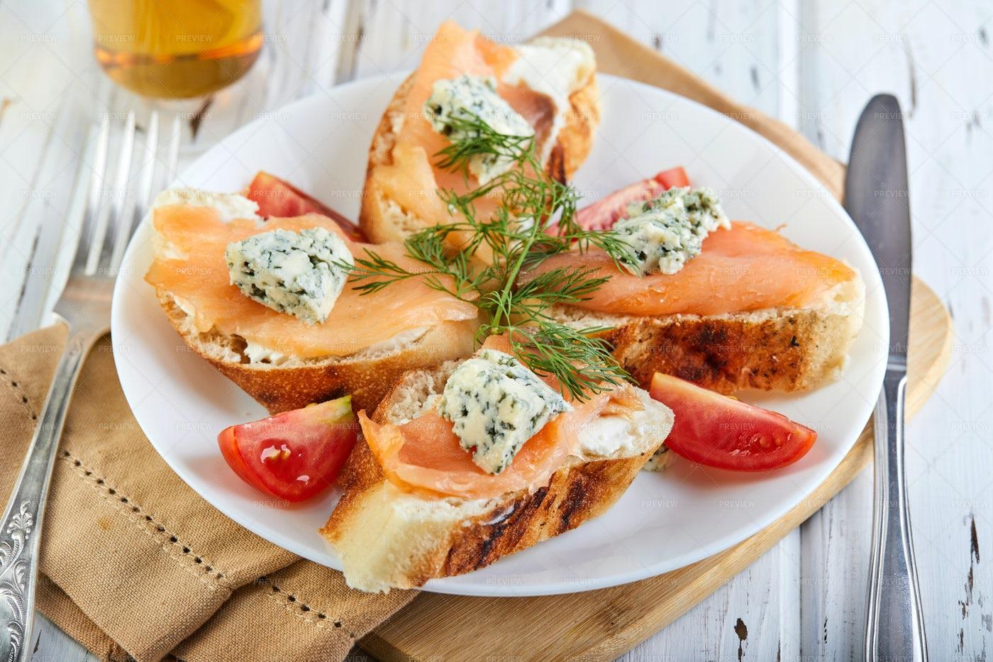 Salmon Toasts: Stock Photos