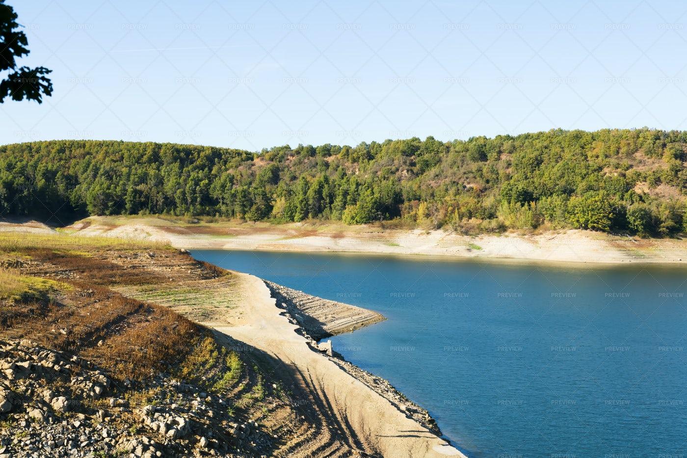 Pertusillo Lake: Stock Photos