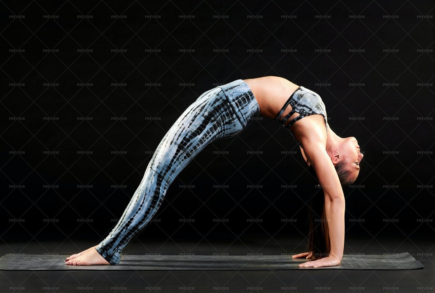 Yoga Wheel Pose: Stock Photos